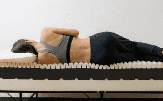 ビブラート1マットレスは波状の構造がフィットしてぐっすり眠れる
